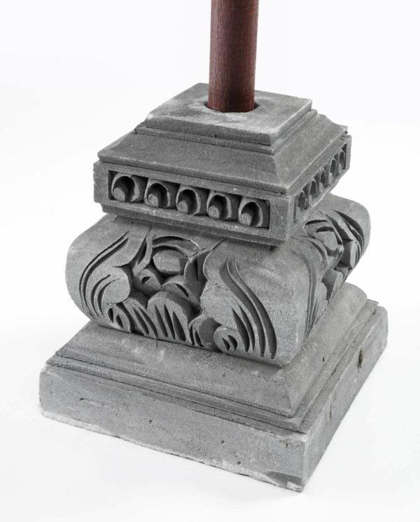 Base de sombrilla de piedra tallado.