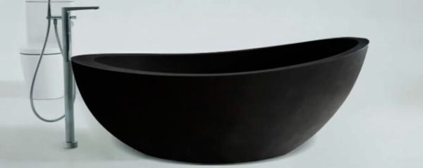 Bañera de terrazo en forma de barco en color negro