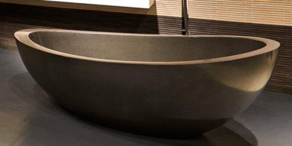 Bañera de terrazo en color beis