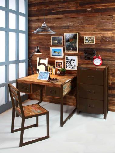 Oficina estilo industrial de madera de barco