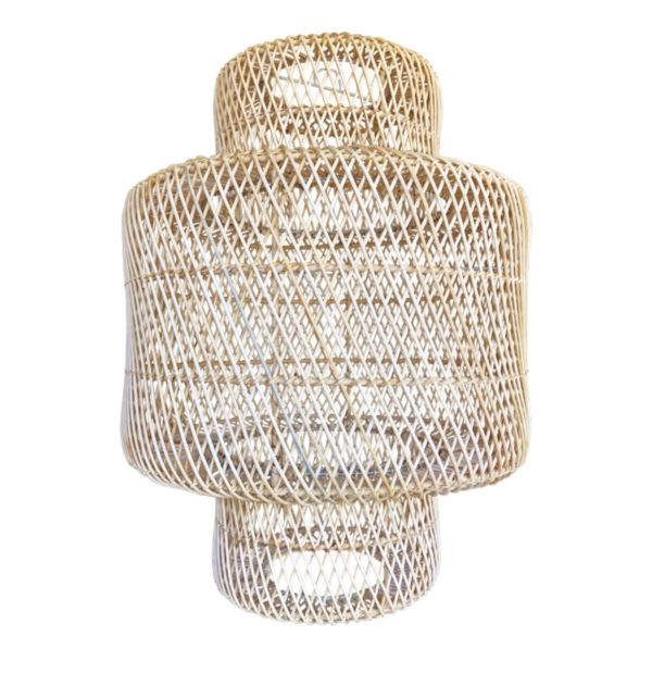 Lámpara de bambú hecha a mano.