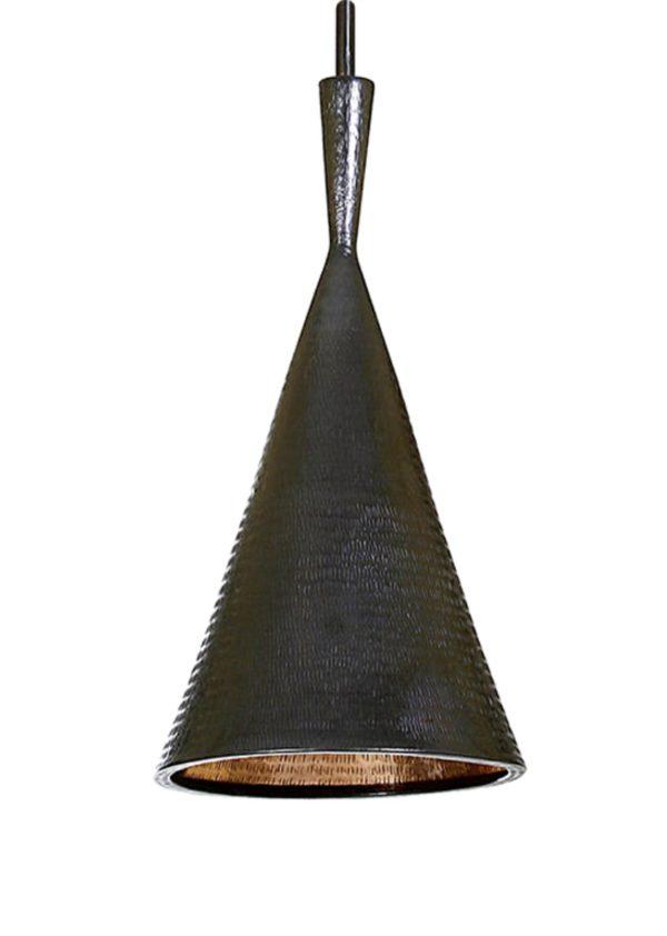 Lámpara de cobre en negro.